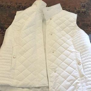 NWT. Women's vest